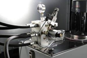 Hydrauliktank Brikettierpresse mit Pressdruckanzeige