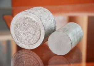 Aluminium Briketts 50 und 80 mm Durchmesser