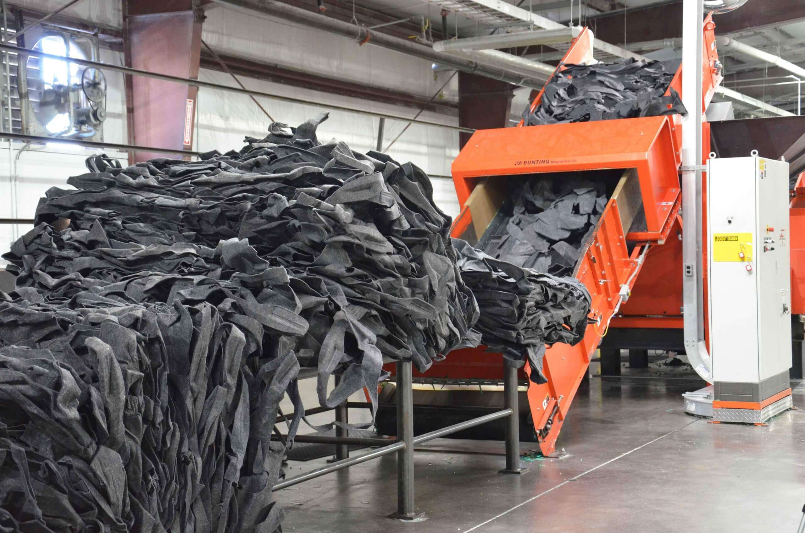Recycling of automotive carpet with WEIMA shredder