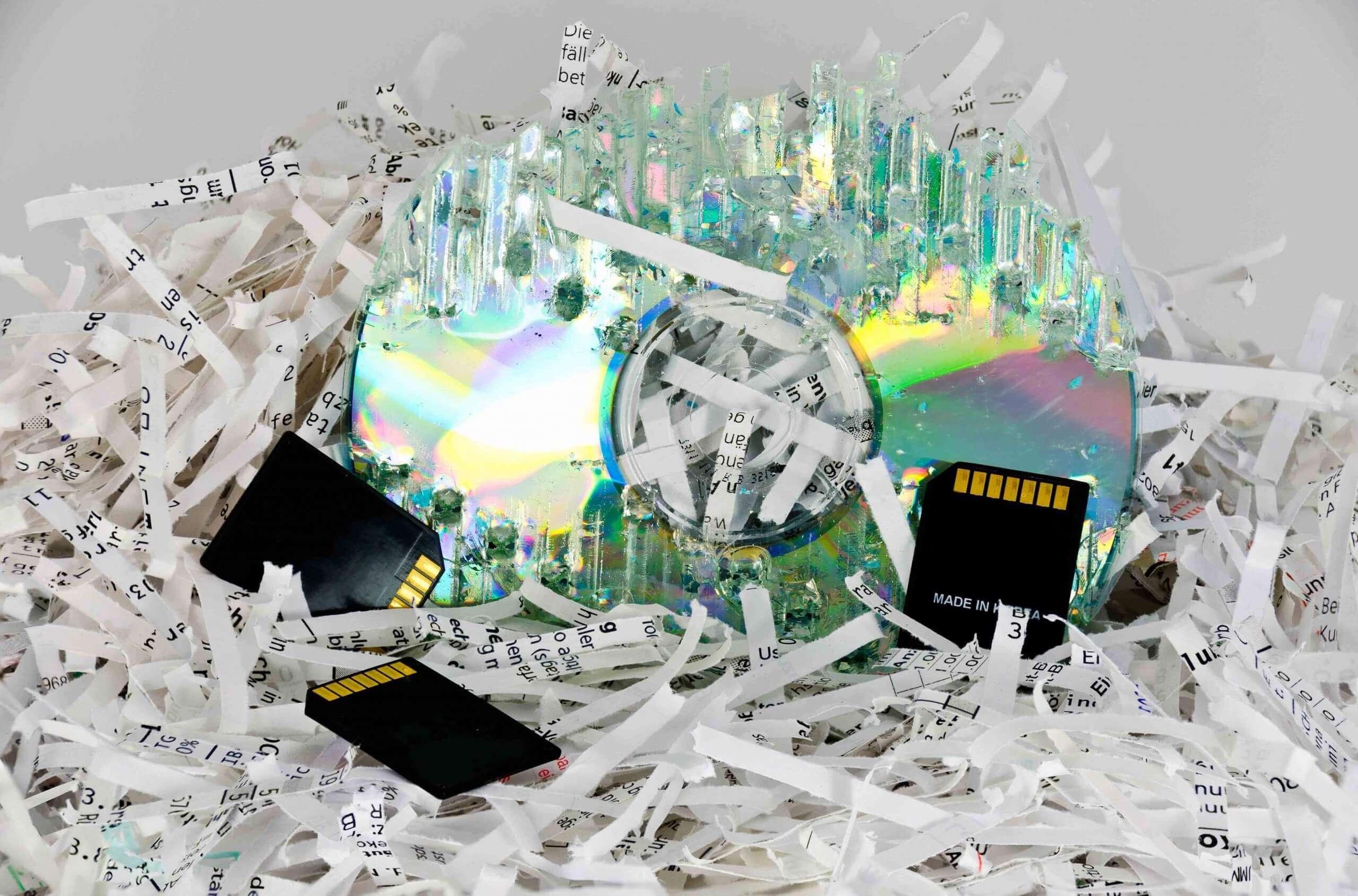 Zerkleinerung von Dokumenten, Daten, Speichermedien und CDs