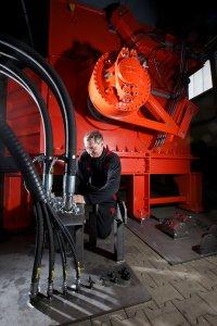 Hydraulikantrieb von Hägglunds und WEIMA Shredder werden in Betrieb genommen