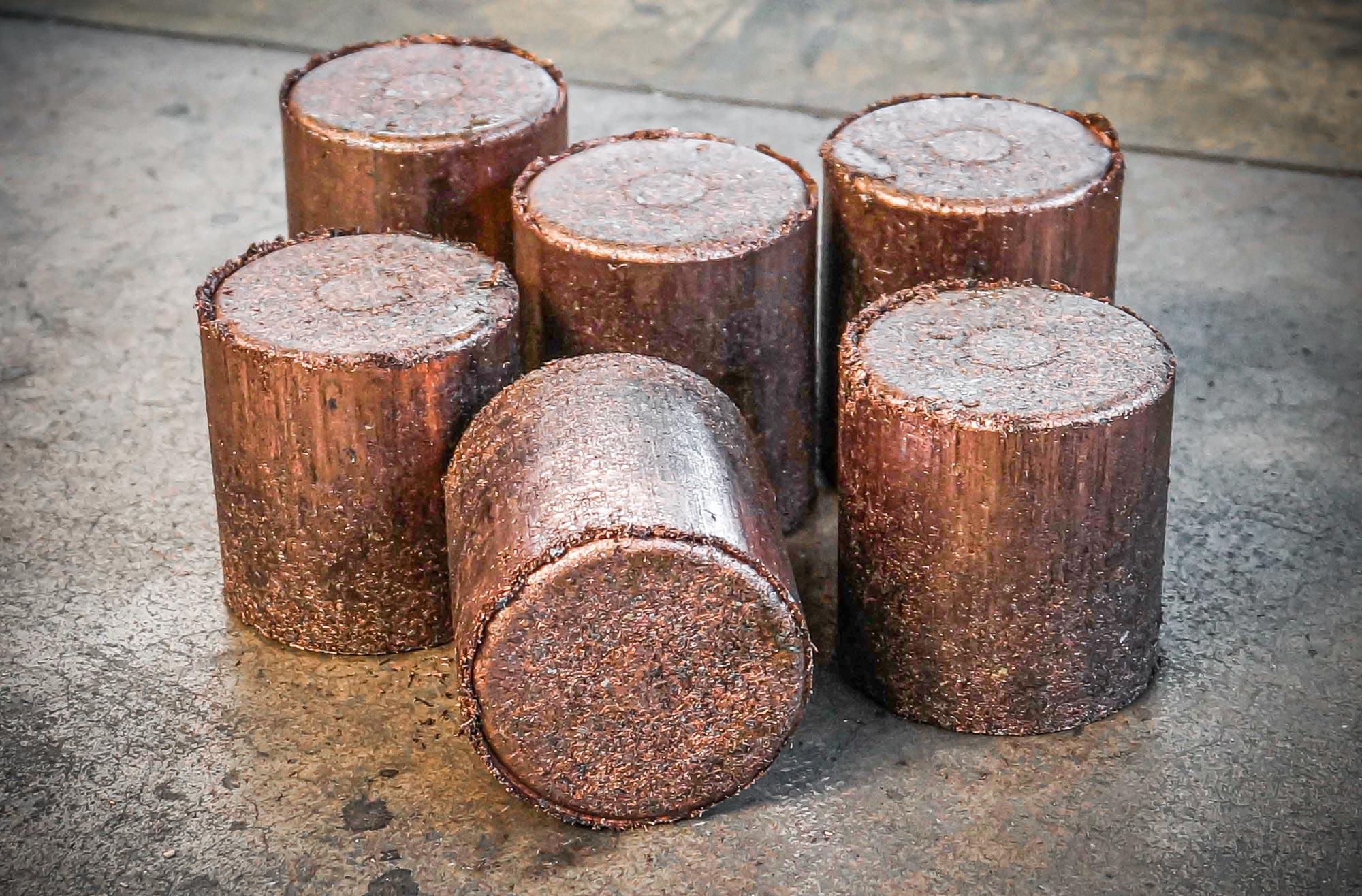Round copper briquettes