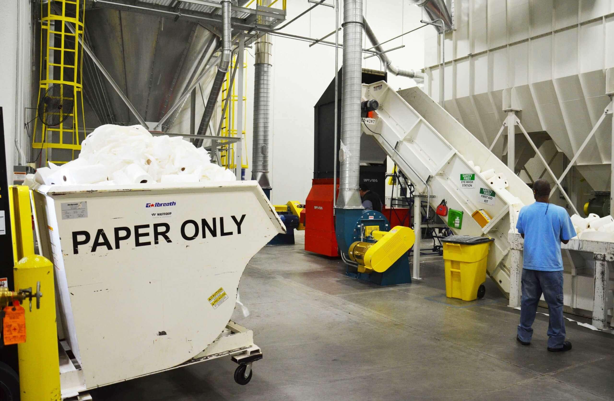 Produktionsabfälle aus der Papierproduktion werden direkt recycelt