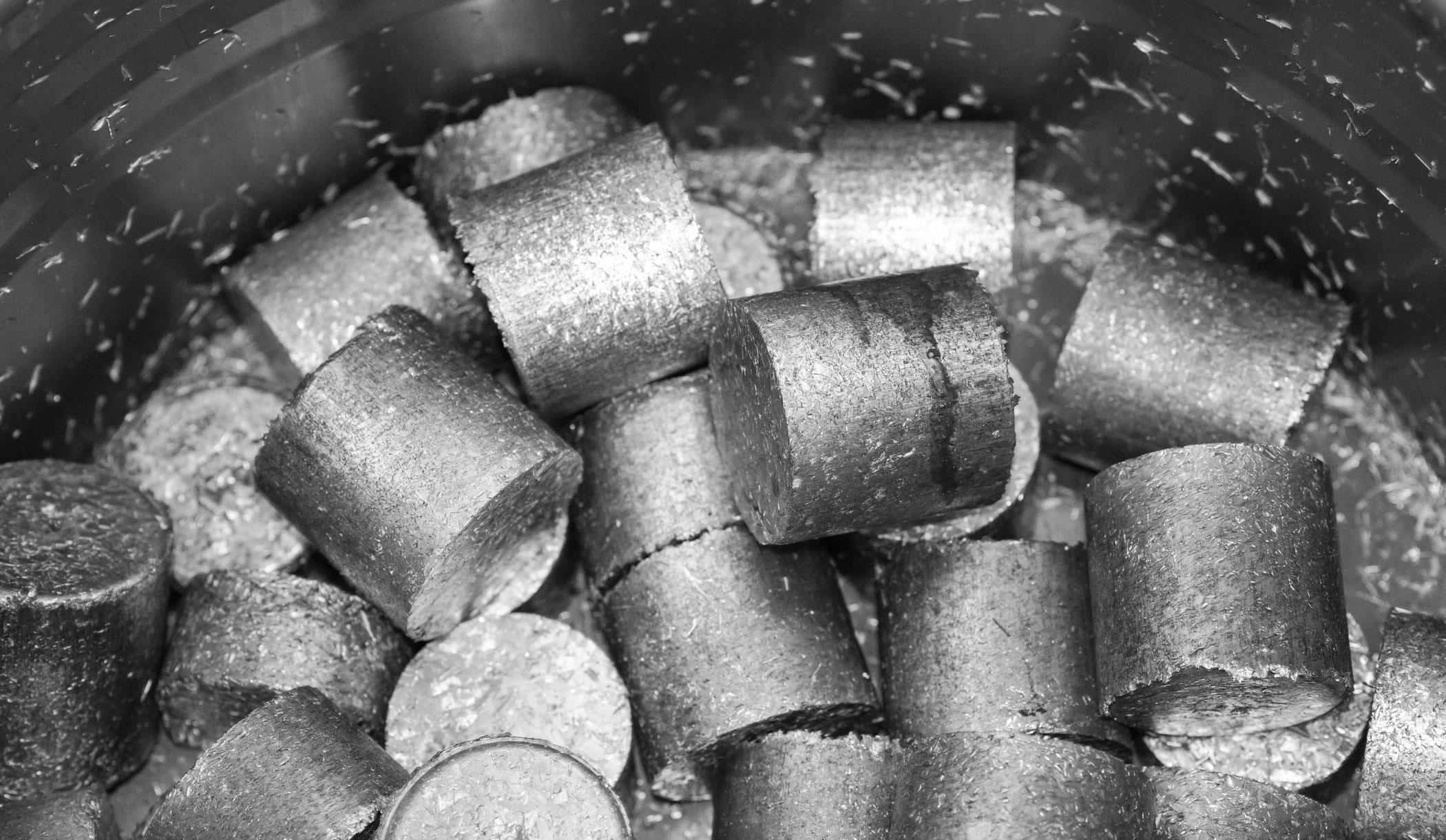 Round briquettes from light metal swarf