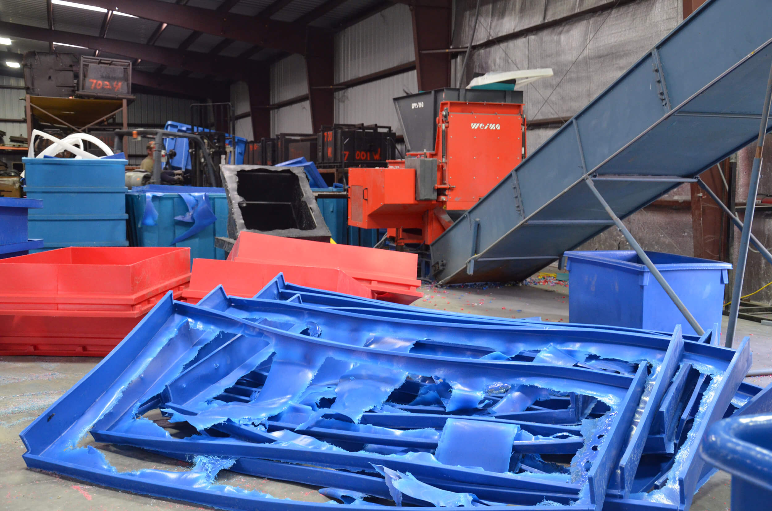 WEIMA WLK 6 S single shaft shredder shreds plastic scrap from production