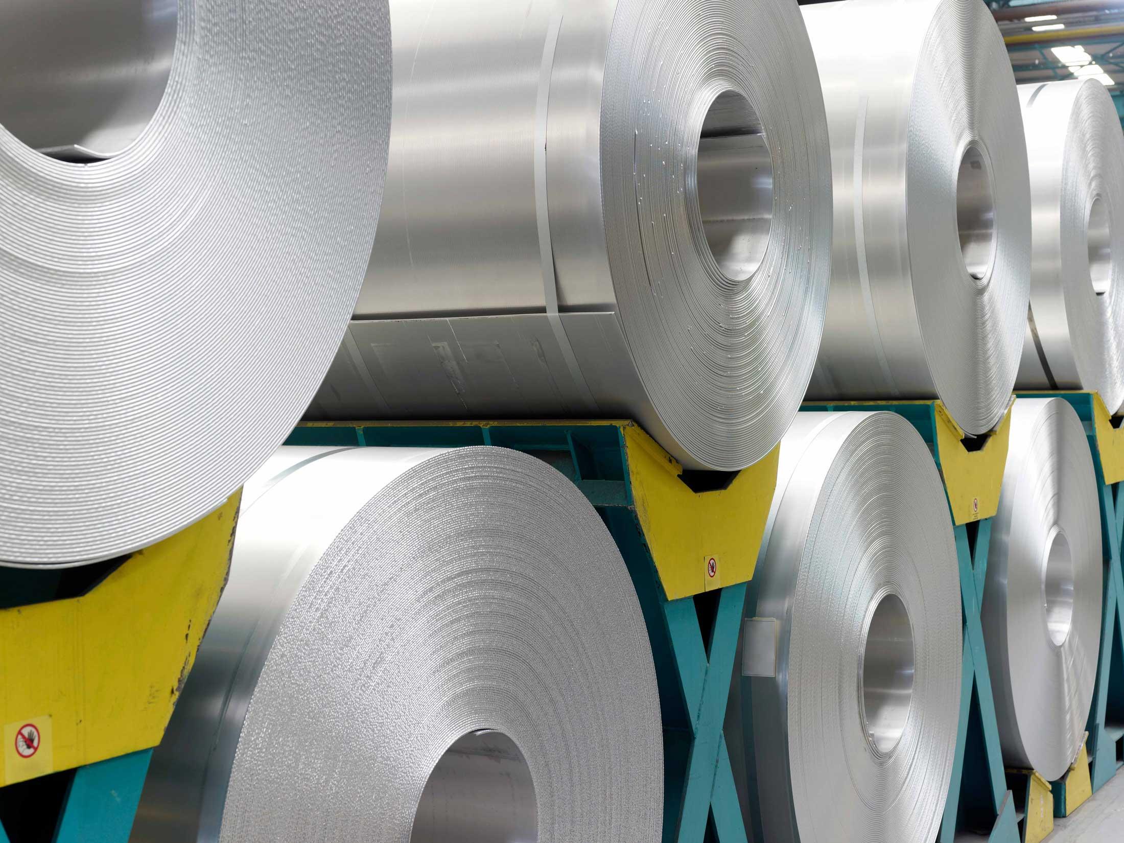 Sheet steel on rolls before shredding