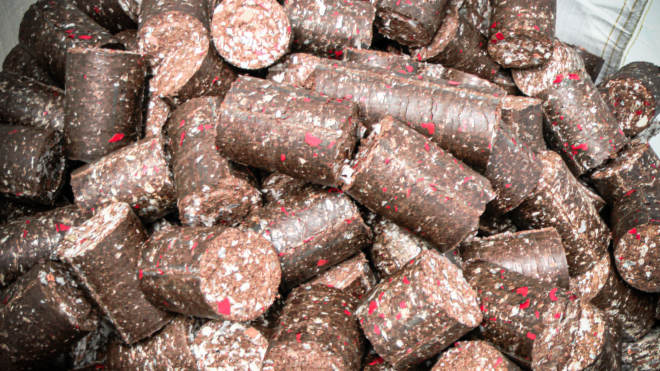 Briquettes from tobacco