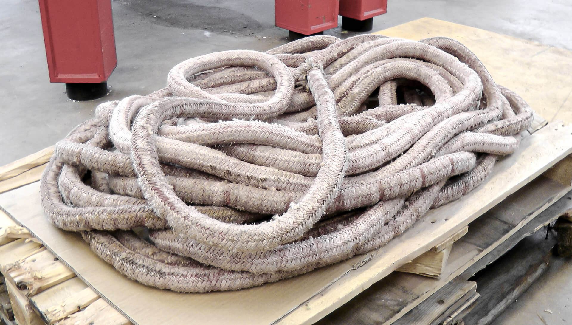 Plastic ropes can be recycled after the shredding process