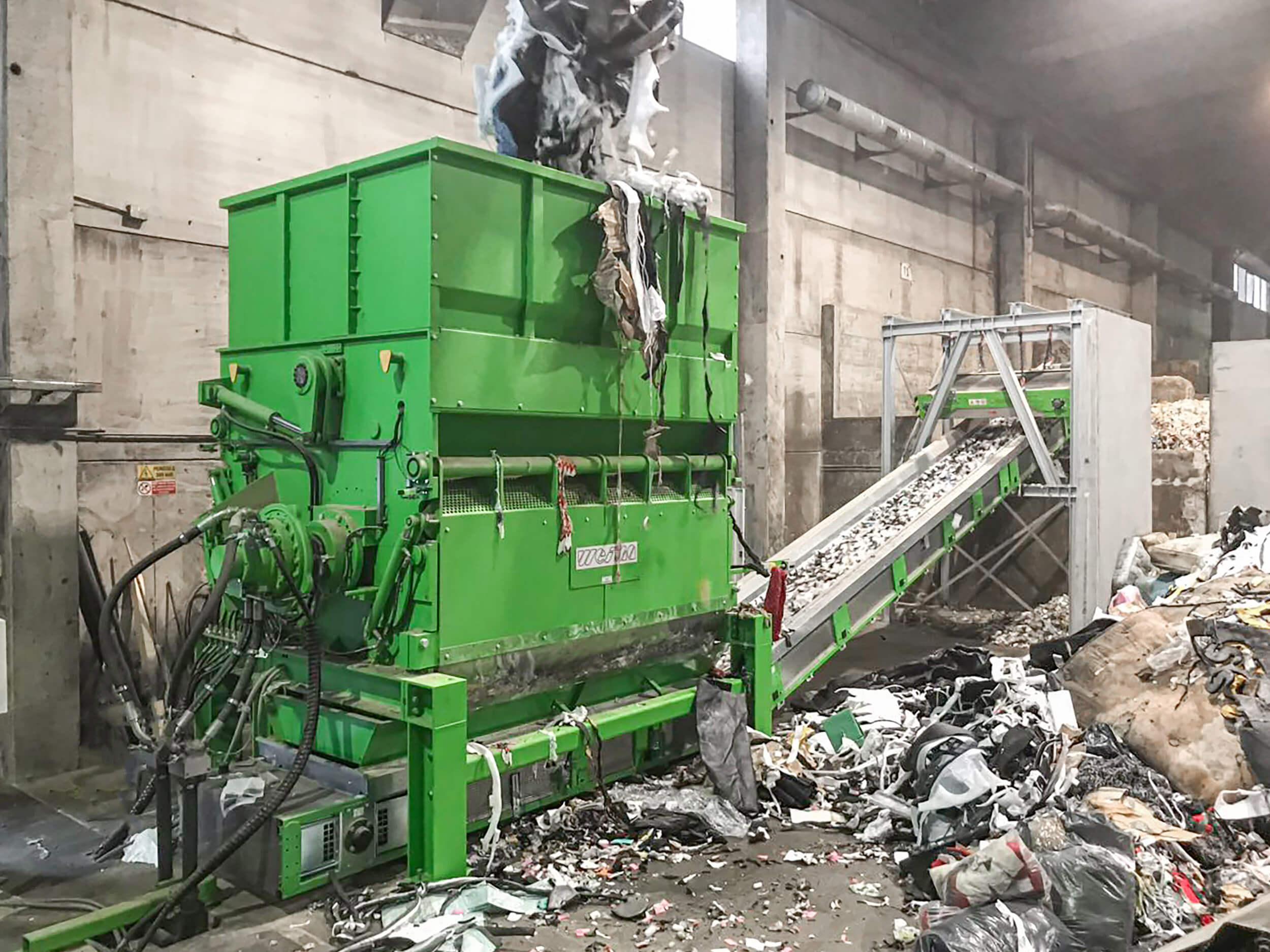 WEIMA PowerLine 3000 zerkleinert Abfall für Waste-to-Energy