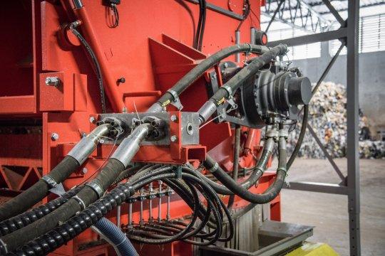Hägglunds Hydraulikantrieb an einem kraftvollen WEIMA Shredder
