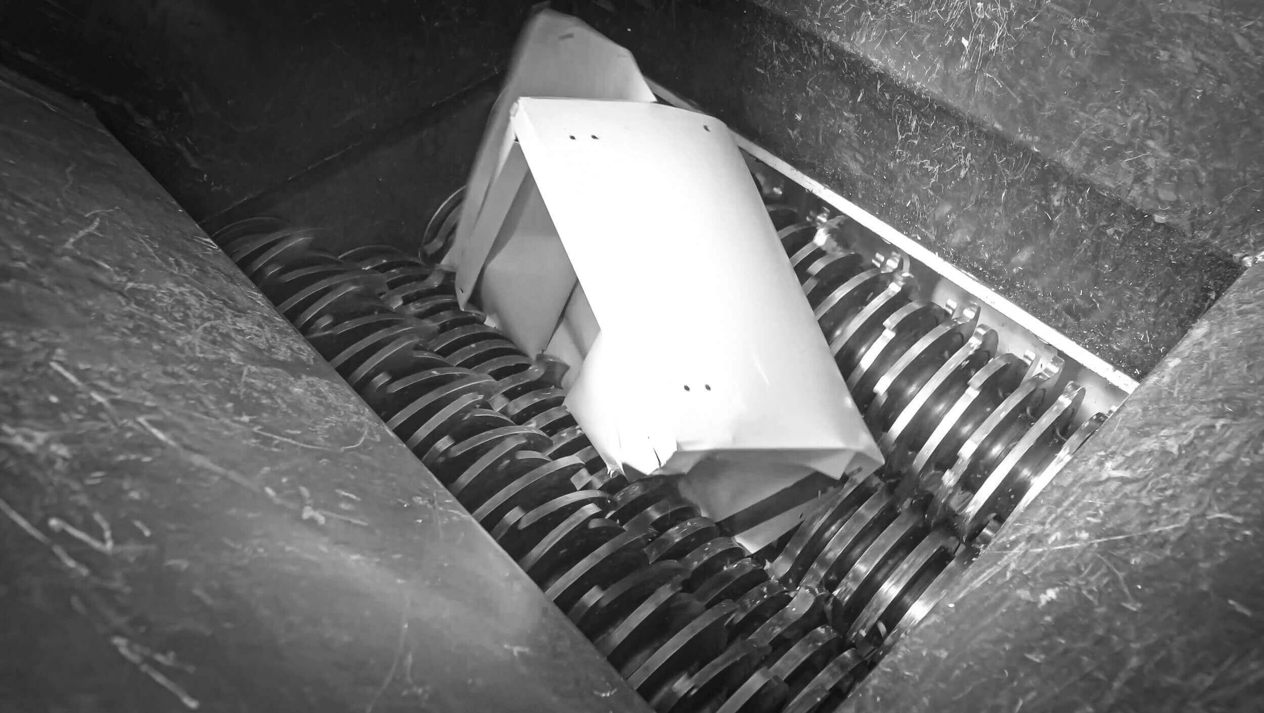 Zerkleinerung von Metallschränken mit einem Vierwellen-Zerkleinerer