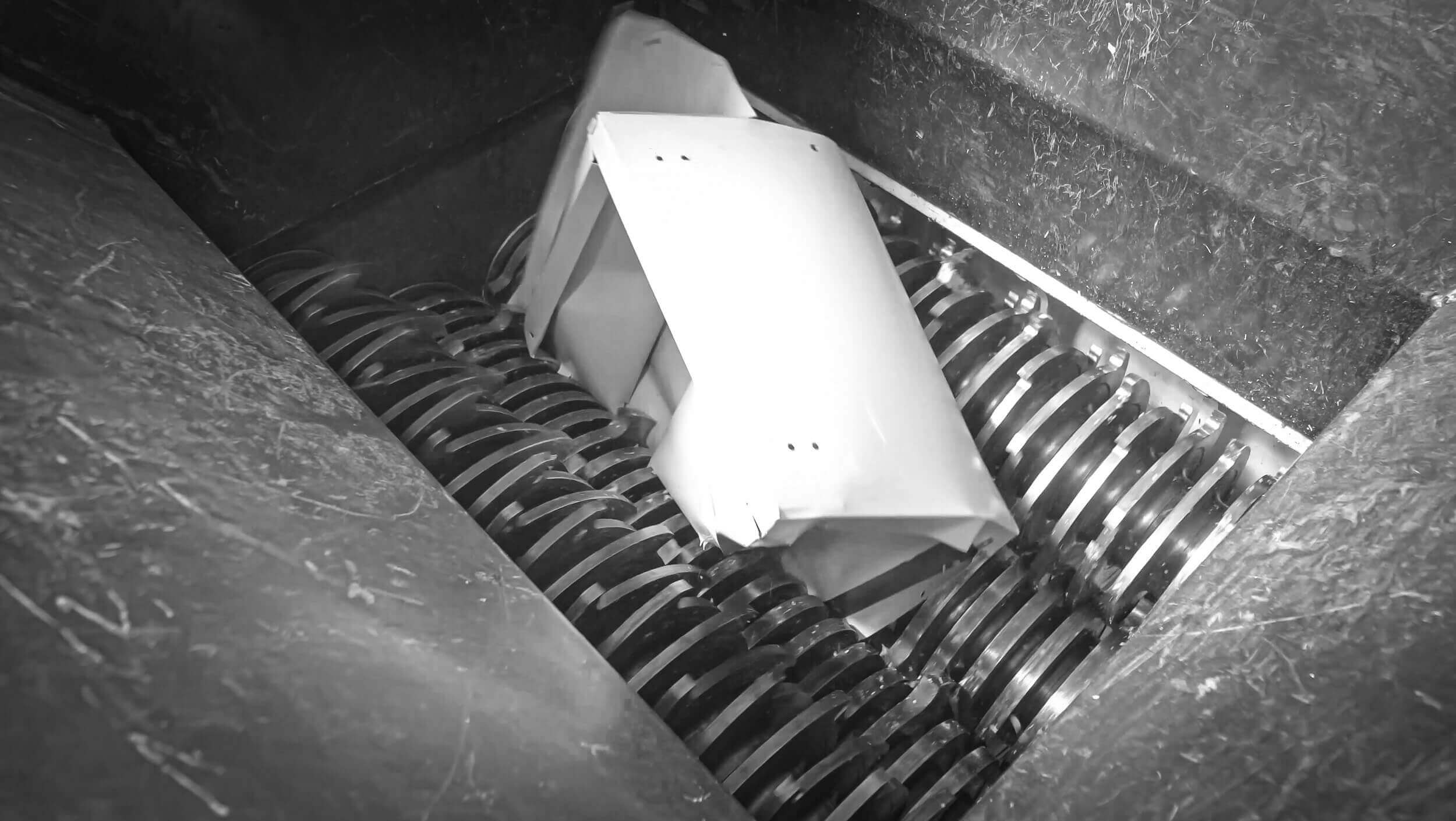 Shredding of metal cabinets with a WEIMA four-shaft shredder
