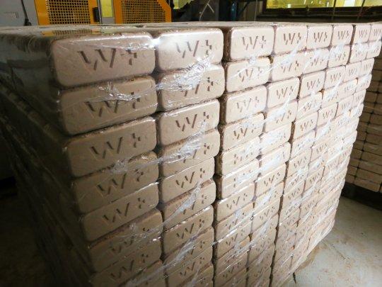 Verpackte, verkaufbare Holz Briketts
