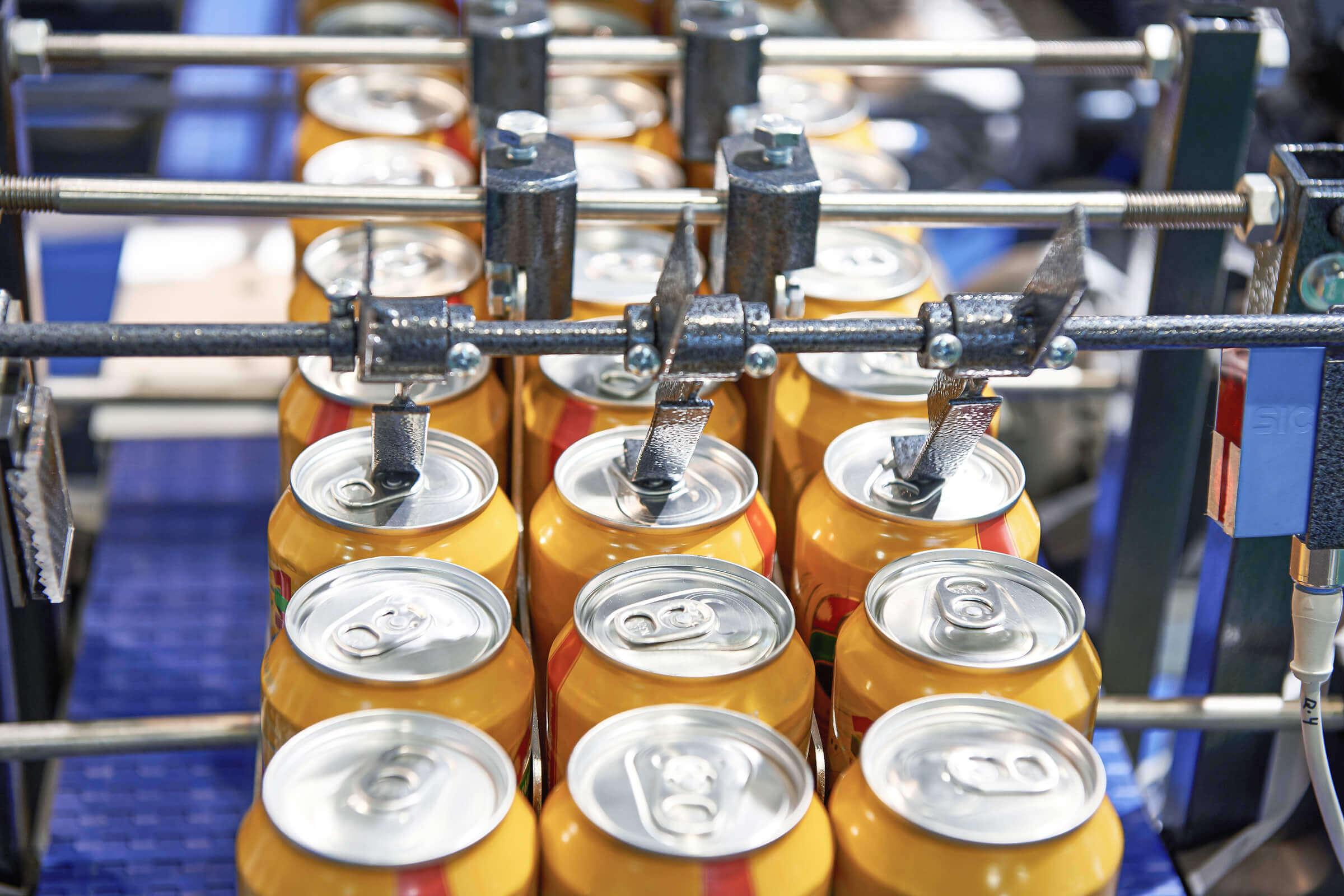 Aluminiumdosen Abfüllung Ausschussware