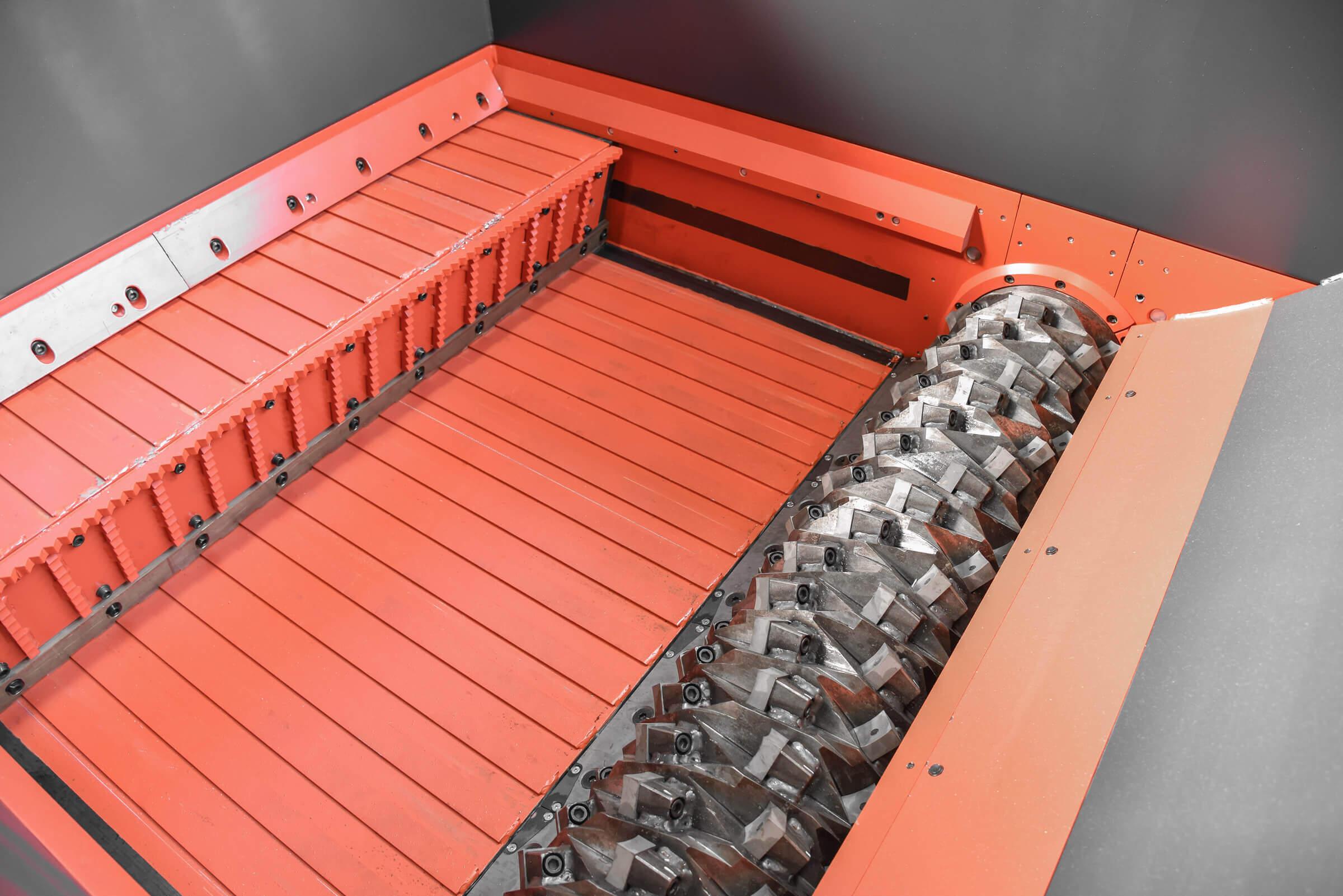 Shredder for pallets