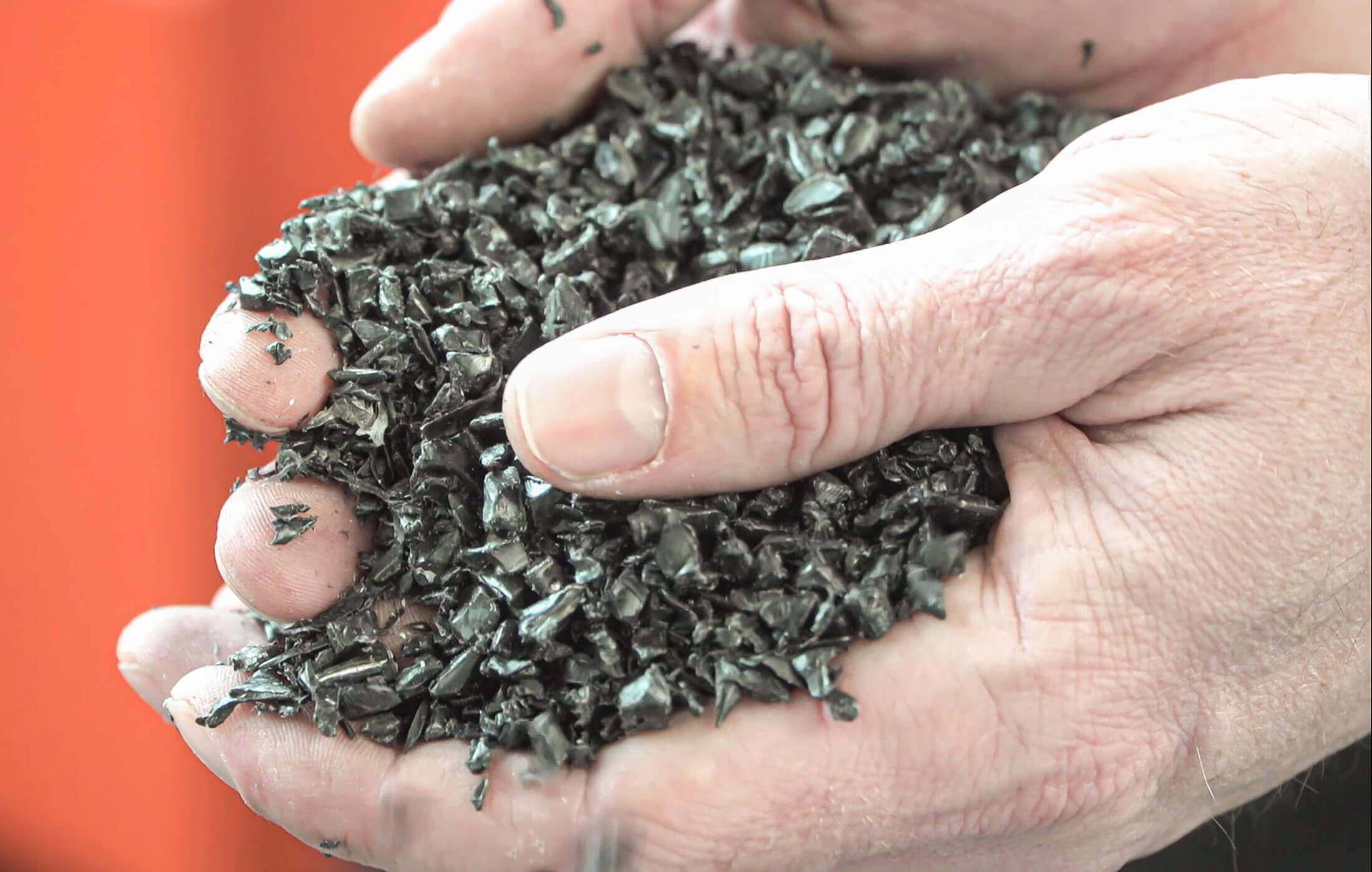 Granulated HDPE pipes after shredding