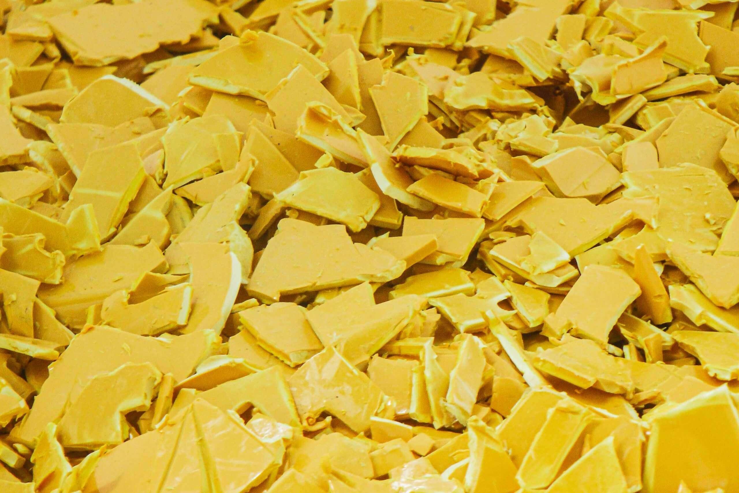 Mahlgut Wäschewannen aus Hartkunststoff zerkleinert