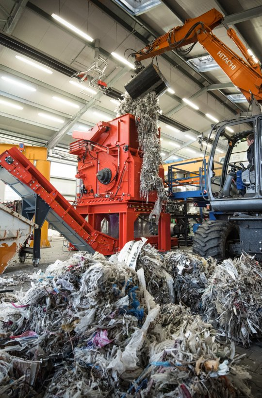Pulper Waste Rejects feeding into WEIMA shredder