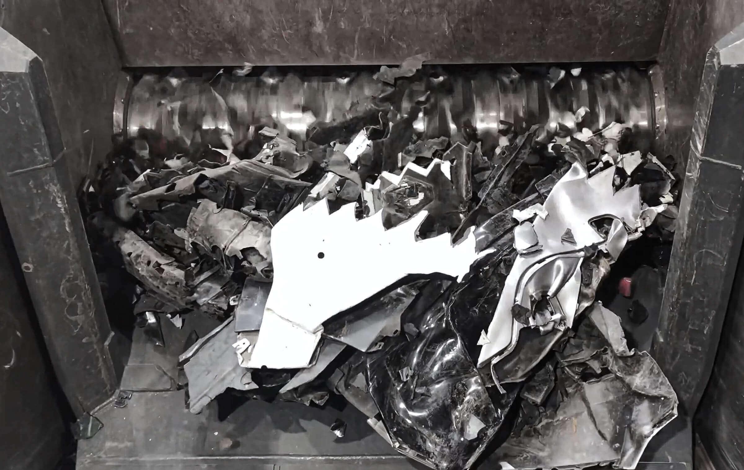 Zerkleinerung von Rigid Plastics Behältern
