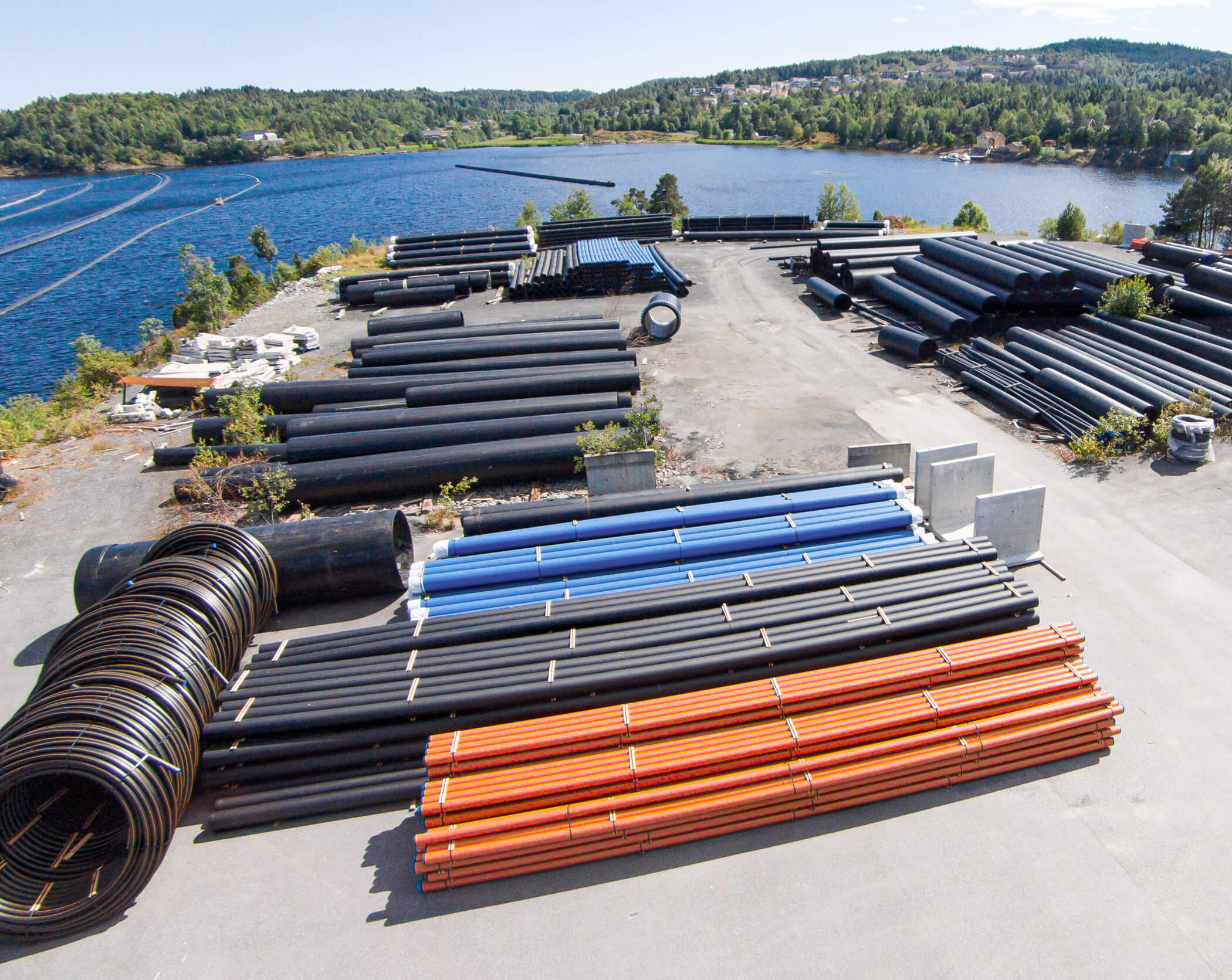 Pipelife, Norway, stores pipes outside