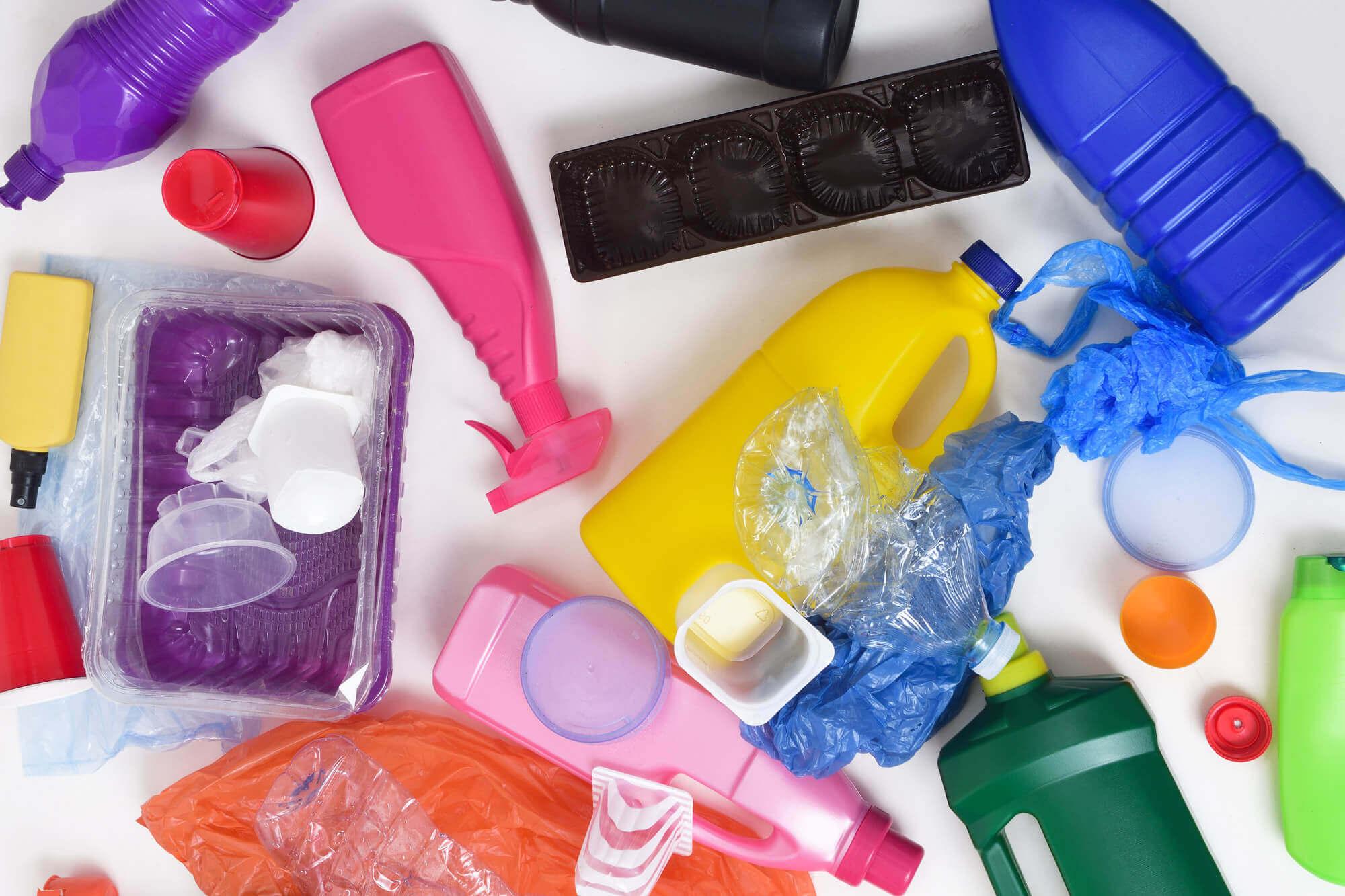 Müll aus Plastik Hartkunststoffen