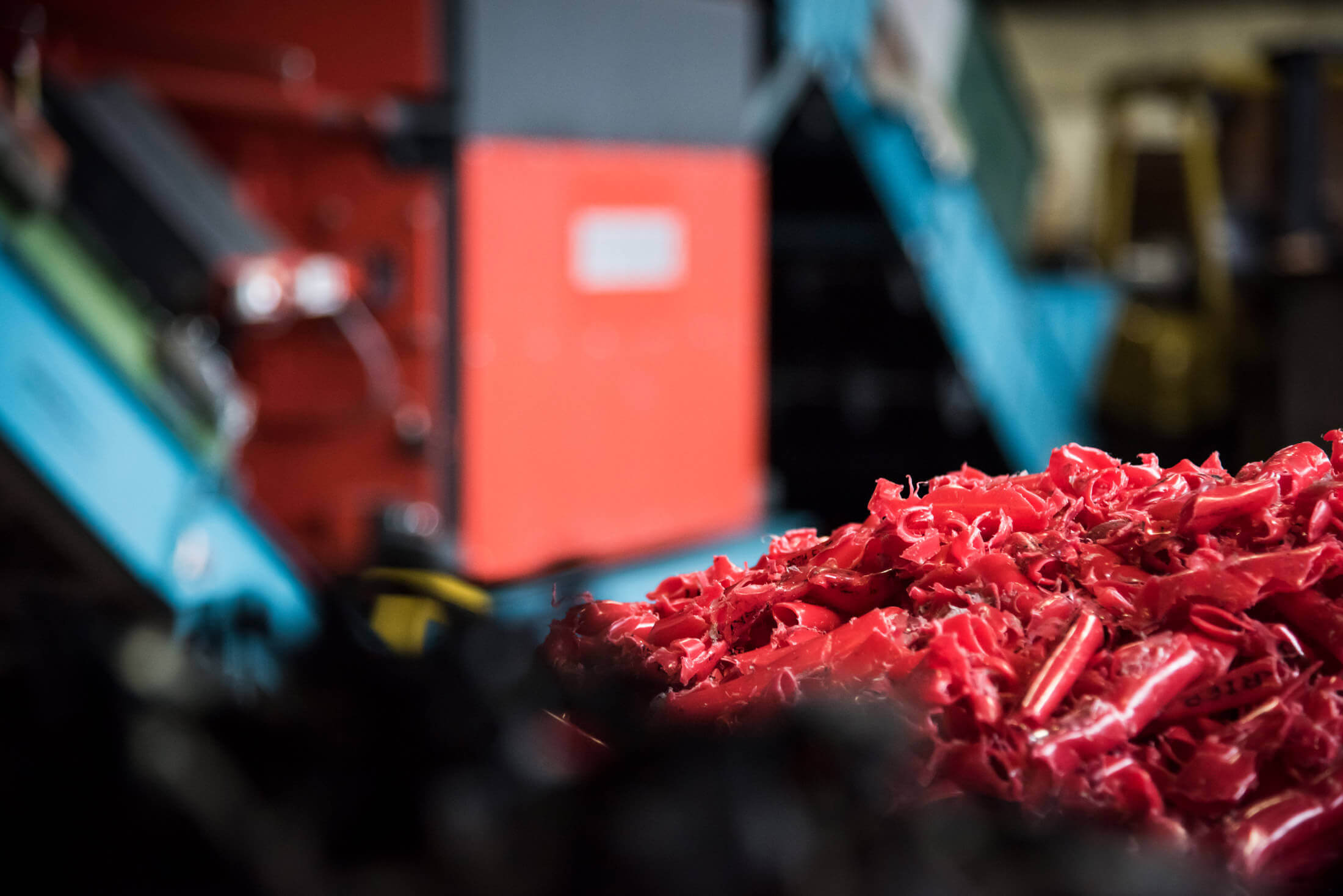 Small diameter pipes are shredded with WEIMA shredder