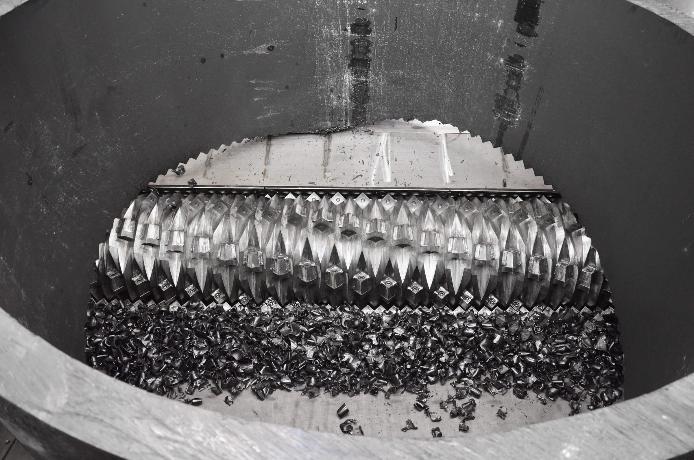 WEIMA V-rotor shreds PE-HD pipe cuttings without trouble